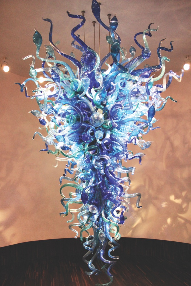 Spectacular Azul De Medianoche chandelier created by renowned glass artist Dale Chihuly