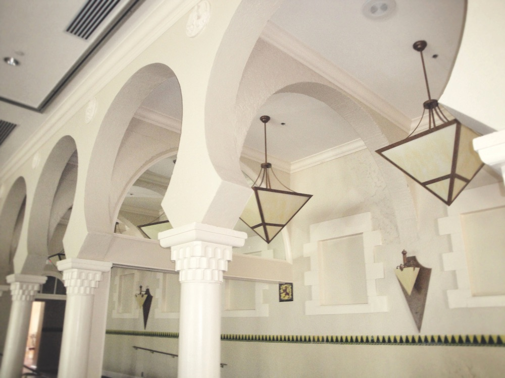 Moorish and Spanish influences are evident in the Vinoy's historic clubhouse, which at one time was part of a Russian palace.