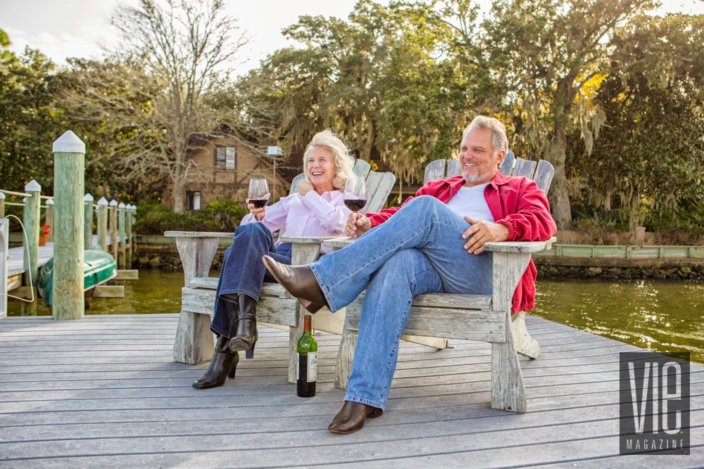Vie Magazine Francois Bernard and wife Red wine on the dock