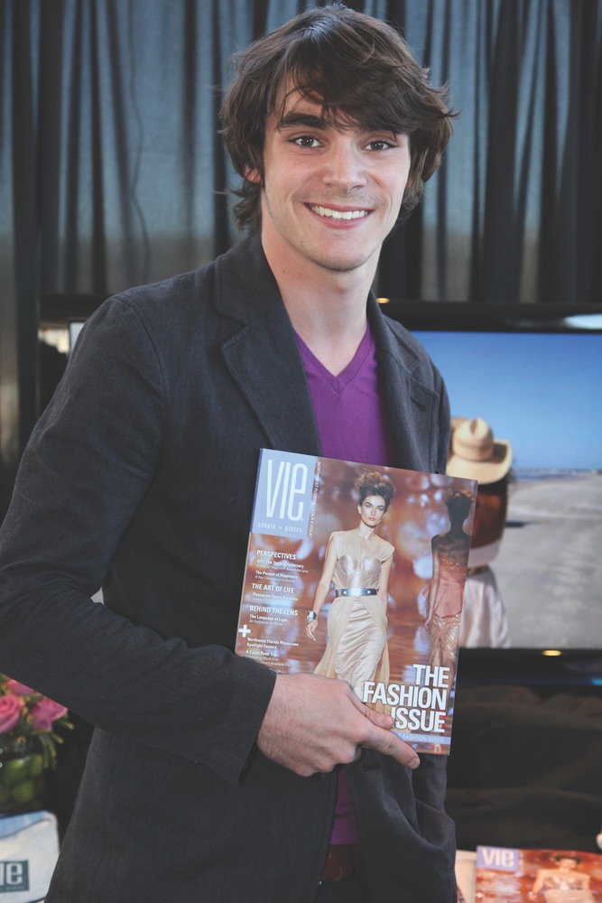 vie-magazine-golden-globes-star-power-2012-17