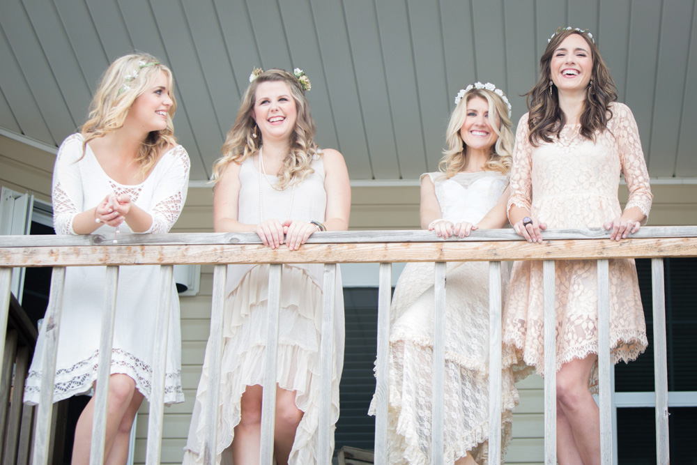 Bridesmaids and bride at Mexico Beach wedding photo shoot, photos by Romona Robbins