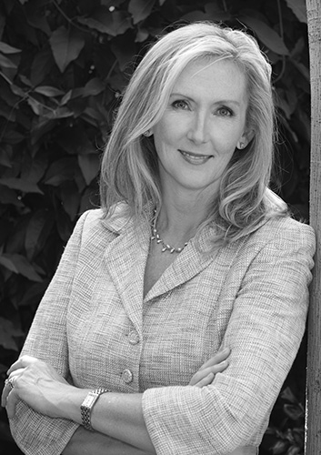 Janet Thomas - VIE Magazine Staff Writer