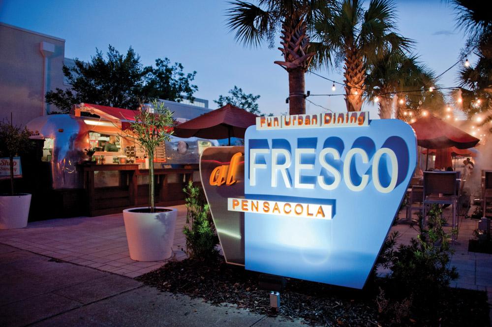 al Fresco food truck at night