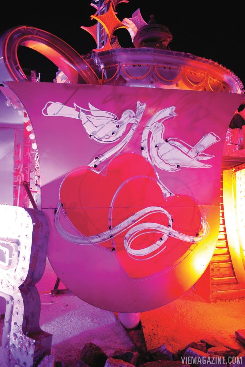 neon-museum-wedding-04
