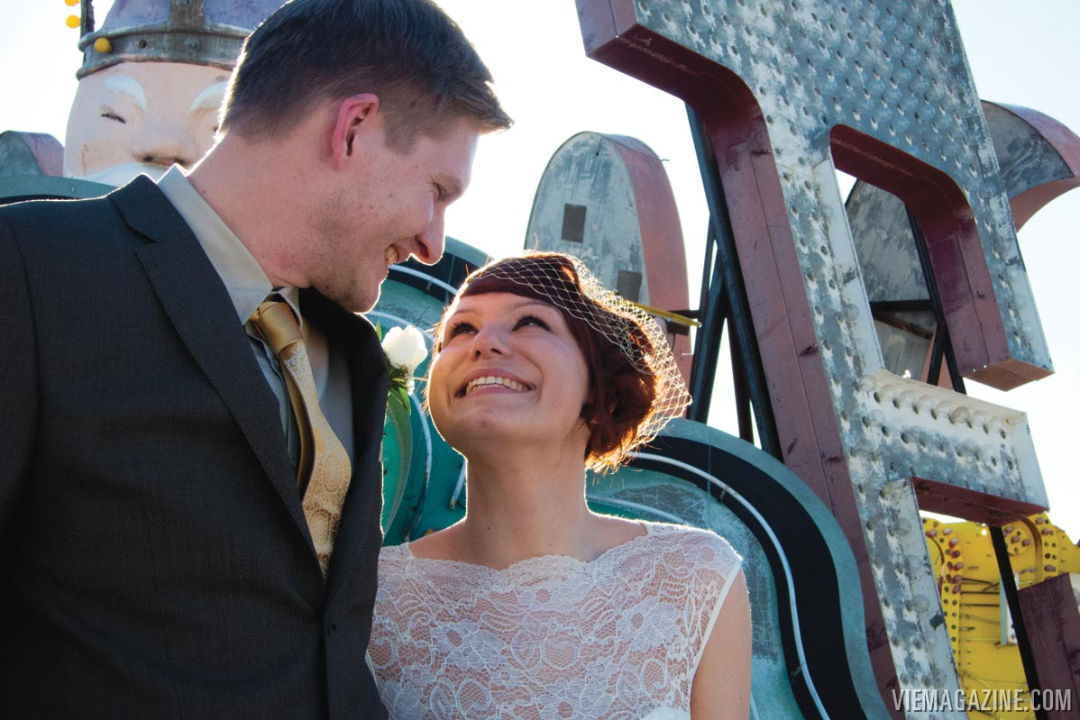 neon-museum-wedding-09