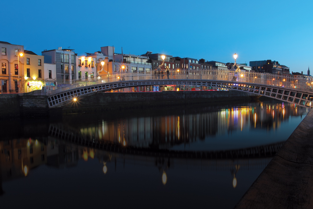 Ha'penny Bridge over River Liffey in Dublin, Ireland