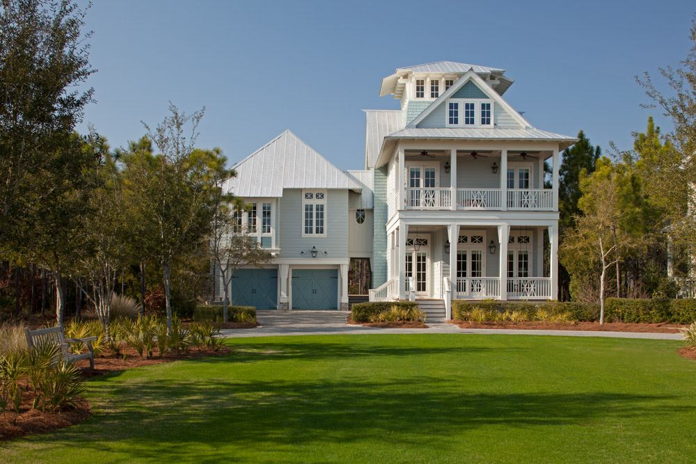 Large lawn of a Gulf Coast home