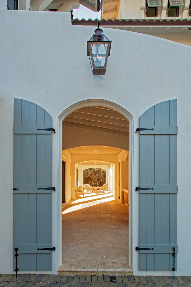 Doors leading to outside seating area
