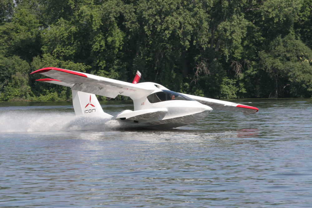 Whether the surface happens to be a lake, an airport landing strip, or a grassy field, the amphibious ICON A5 is extremely versatile, requiring only five hundred to a thousand linear feet of space to land or take off.