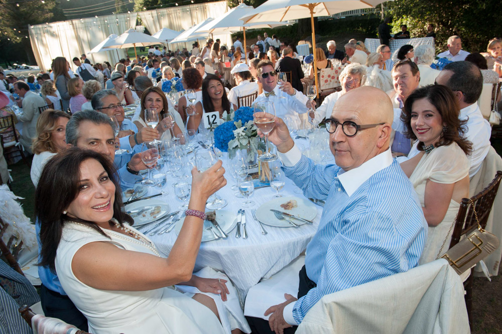 Patrons enjoying one of the festival's VIP dinners at Spring Mountain Vineyard