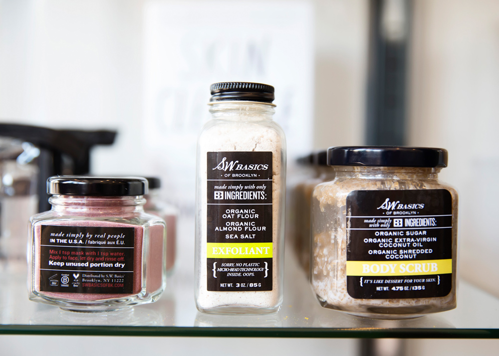 Seasonings at Raw and Juicy