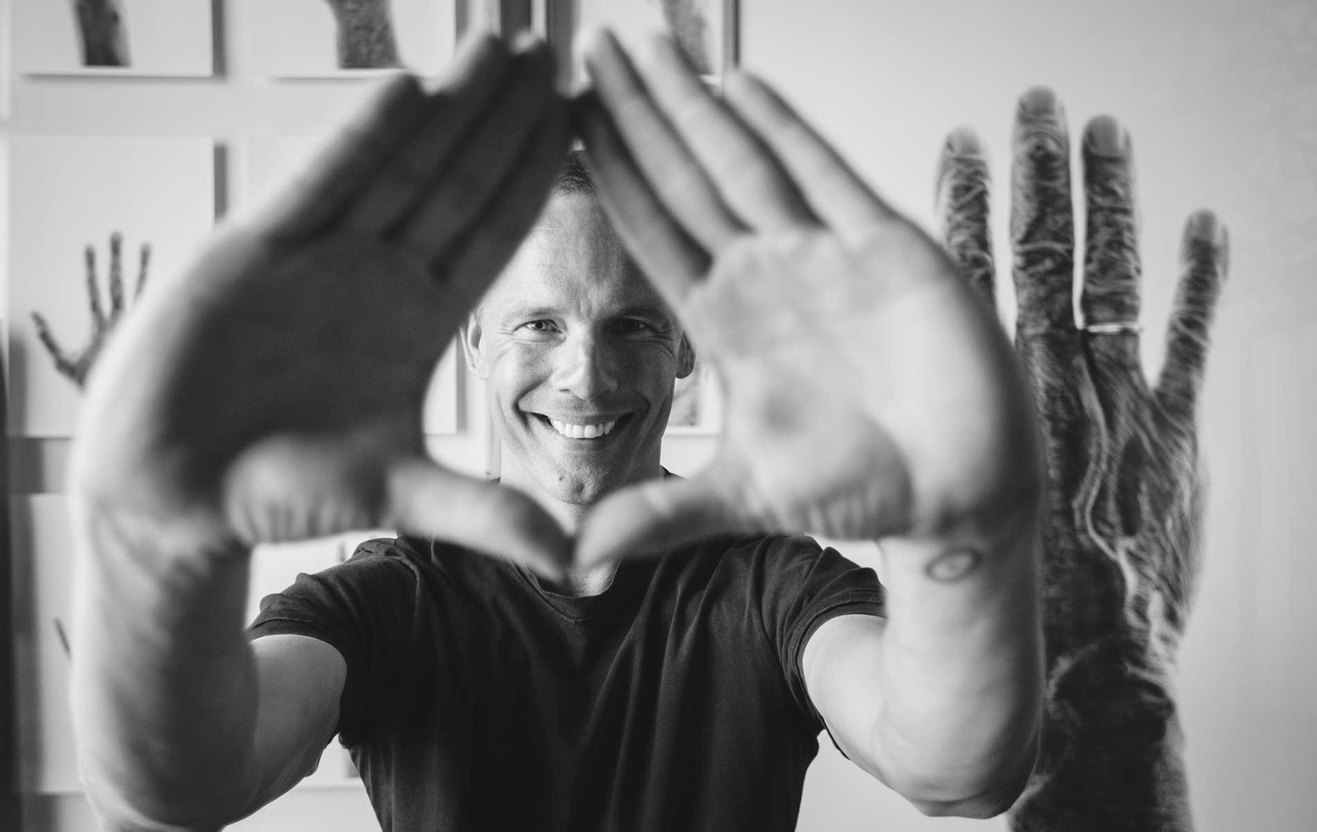 vie-magazine-stefan-hands-and-lives-feature