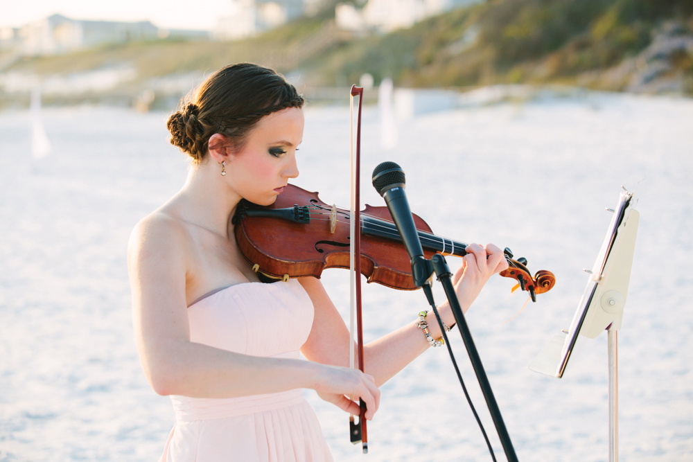 Violinist at Kimberly and Clain Zimmerman beach wedding