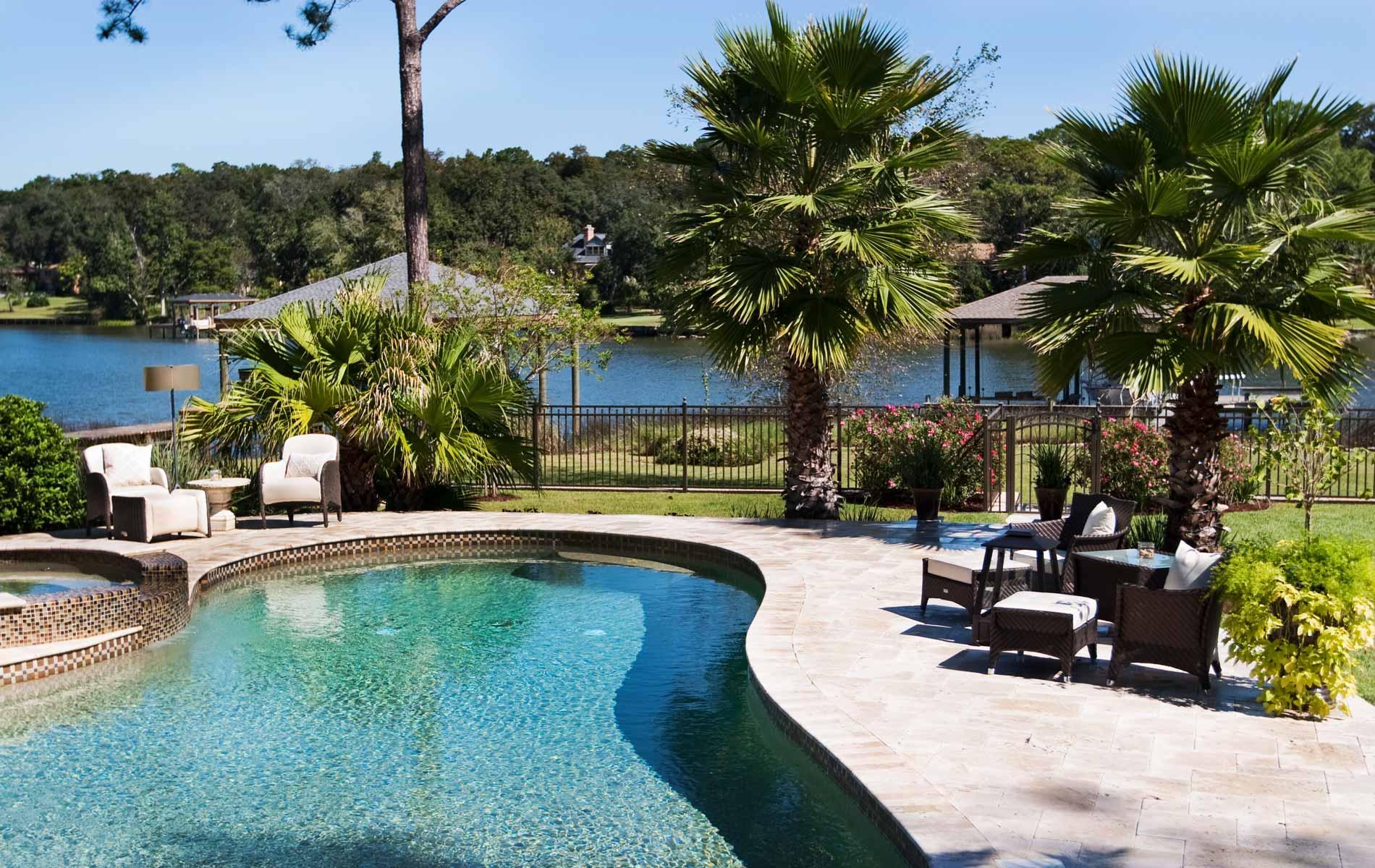 vie-magazine-aqua-pool-patio