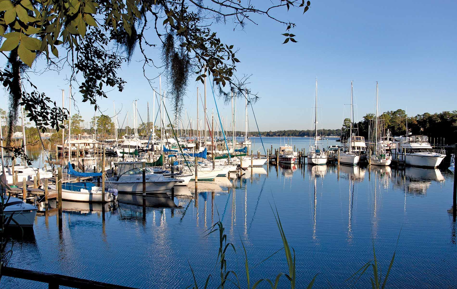vie-magazine-bluewater-bay-marina