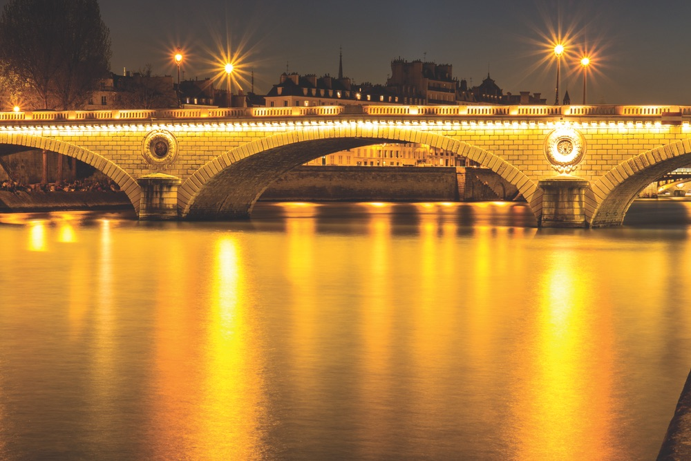 vie-magazine-bridges-of-paris-1