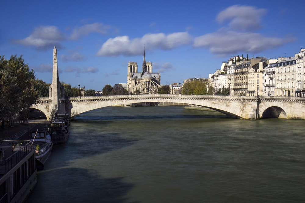 vie-magazine-bridges-of-paris-5