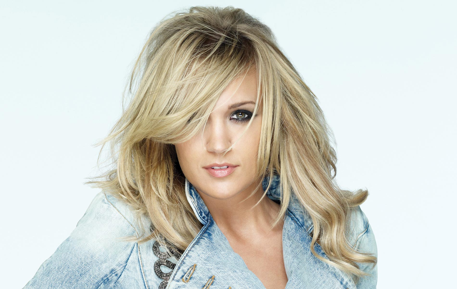 vie-magazine-carrie-underwood, tour, concert