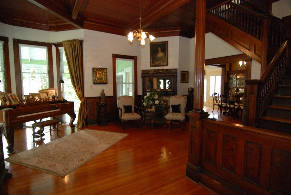 Lynn Wilson Spohrer's beautifully designed home