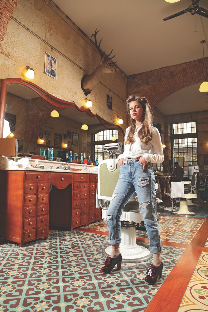model queork shoes vie magazine