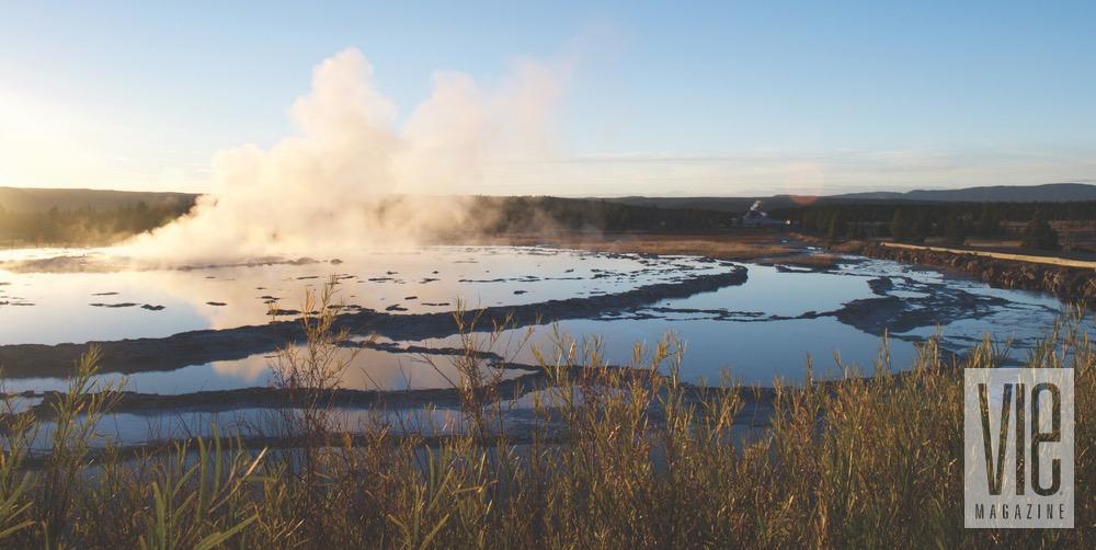 yellowstone national park great fountain geyser