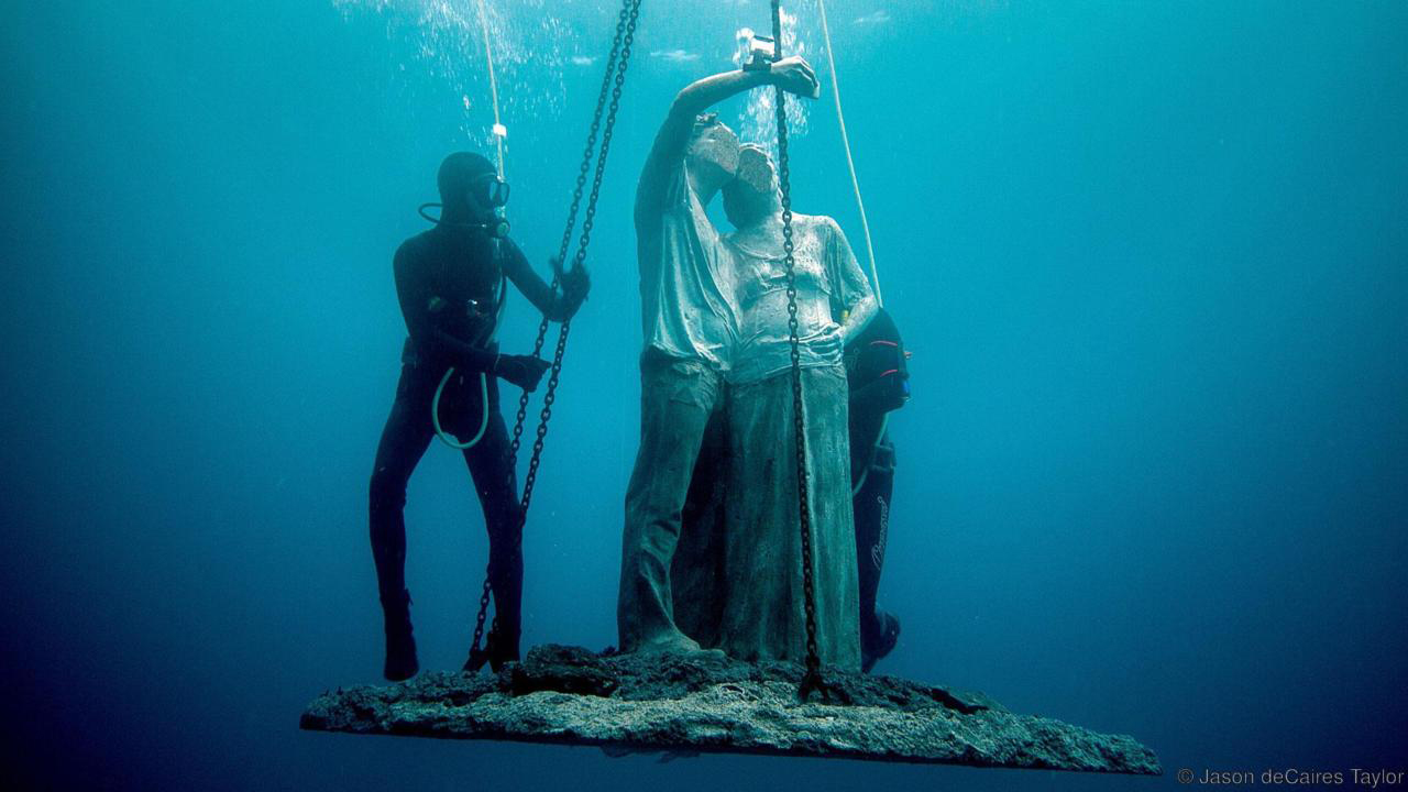 Jason deCaires Taylor's Life Sized Statue Is Being Hoisted Under Water