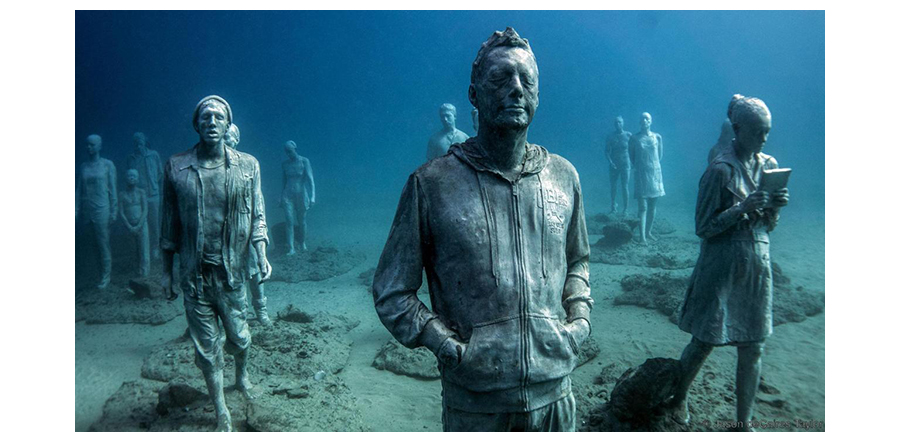 Jason deCaires Taylor's Life Sized Human Sculptures Under Water At Museo Atlantico