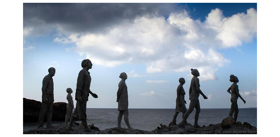 Jason deCaires Sculpture Walking On Cliff At Museo Atlantico