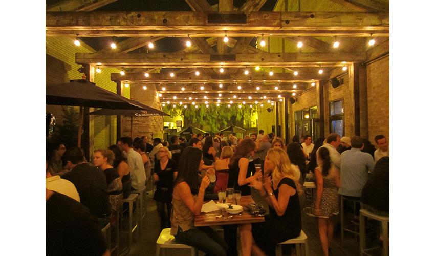 Frontier restaurant ambiance in Chicago Illinois