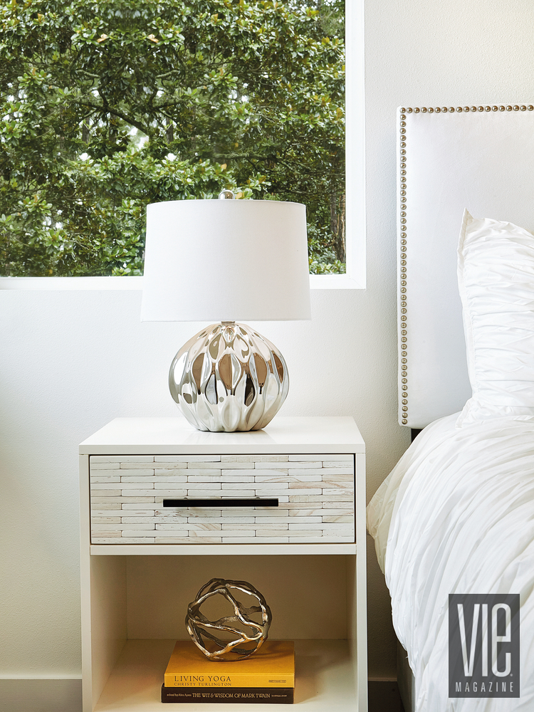 Modern Minimalist Ragsdale home bedside table lamp bed