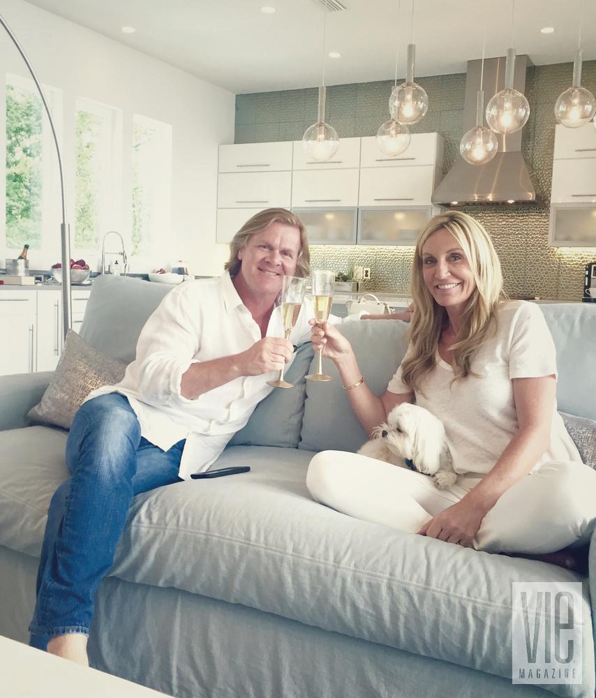 Modern MInimalist Ragsdale Home living room toast