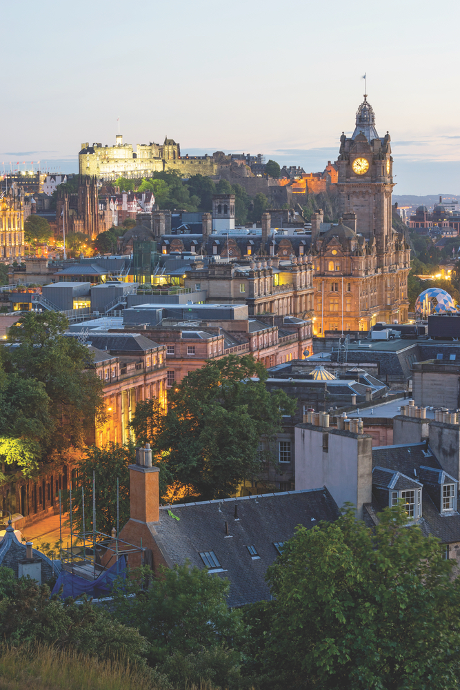 Edinburgh, Scotland boasts magnificent castles, sweeping landscapes, and bewitching cathedrals. Edinburgh Castle Old Town Skylines of the World