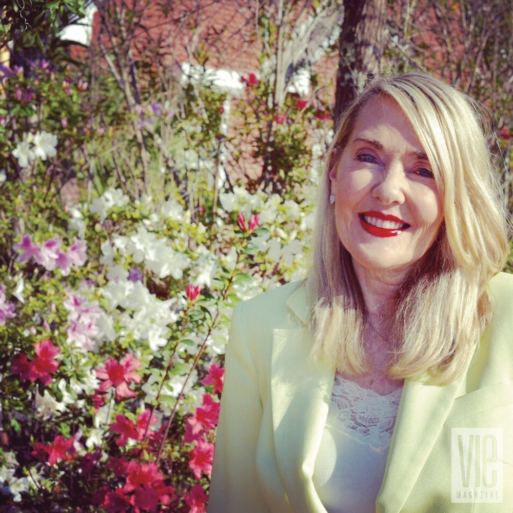 Loving Life Editor in Chief Note Lisa Burwell VIE Magazine