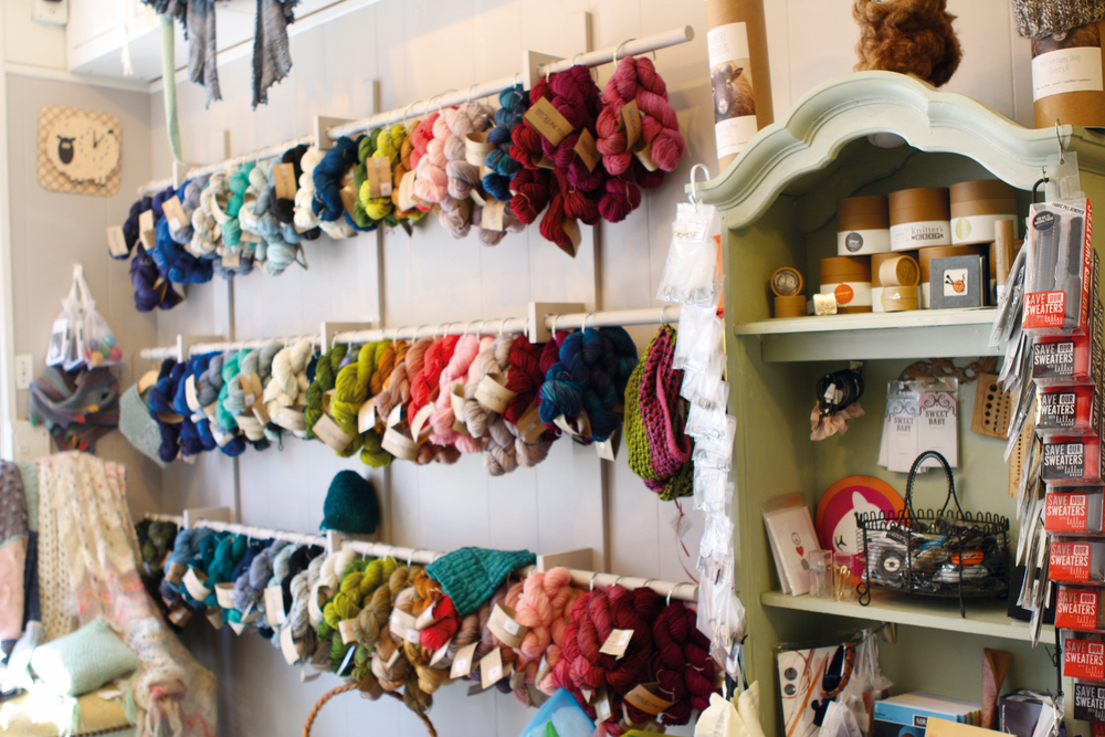 Mermaid's Purl interior wall of yarn knitting materials handmade resurgence