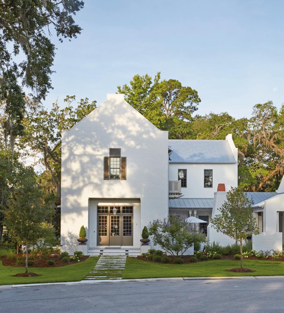 Exterior shot of Destin Home Susan Lovelace Interior Design white house
