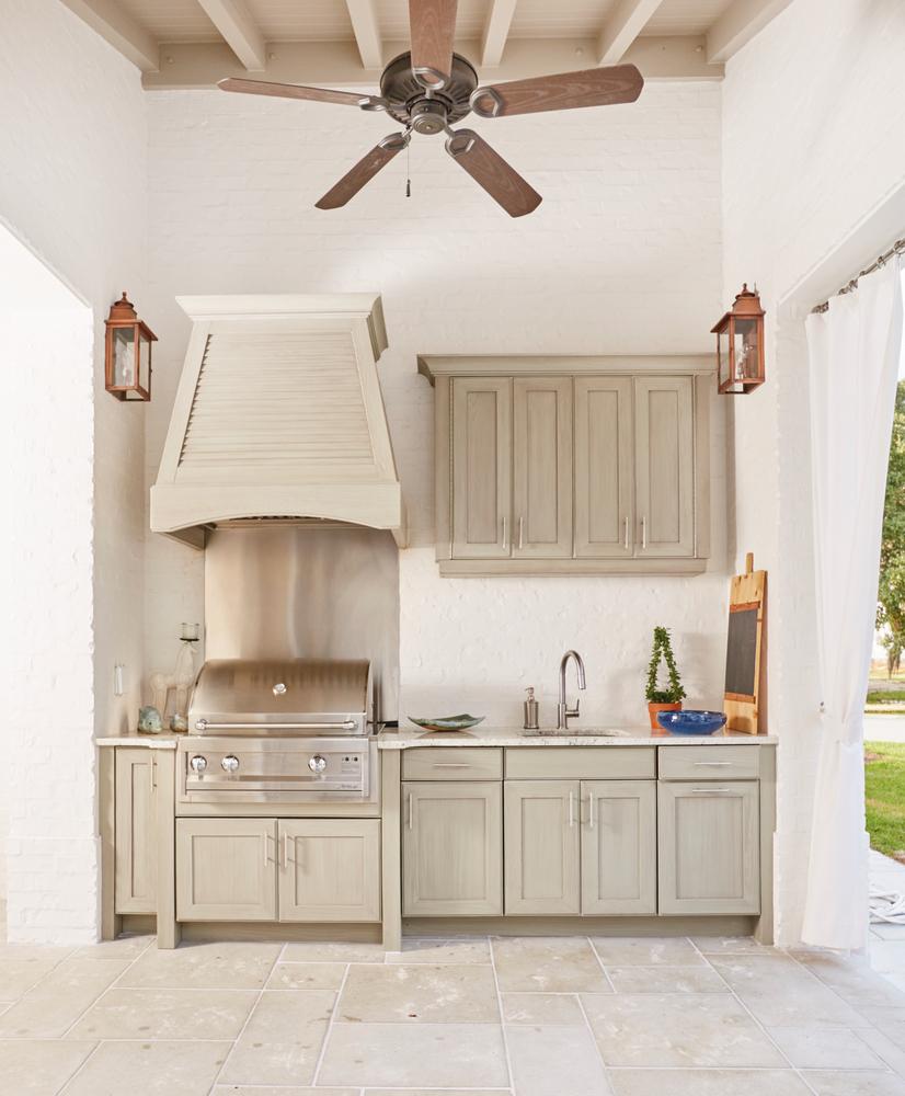 Susan Lovelace Destin Home outdoor kitchen interior design