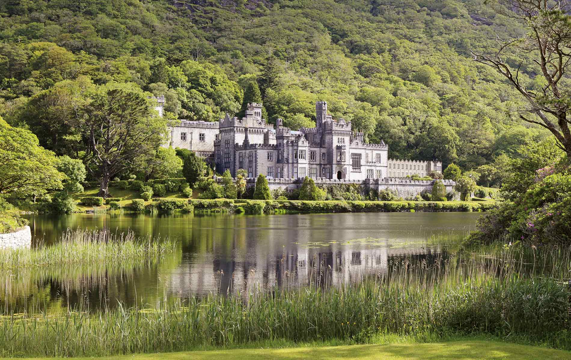 Kylemore Abbey in Connemara Rich History Connemara Life 2016