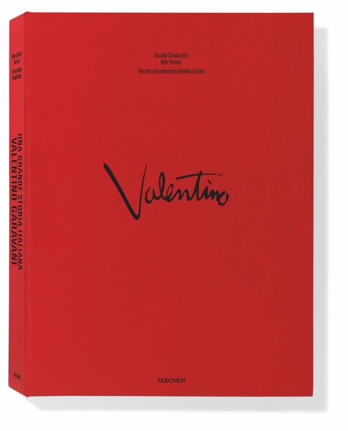 Valentino Garavani Book Bright red book Cest la VIE luxury products