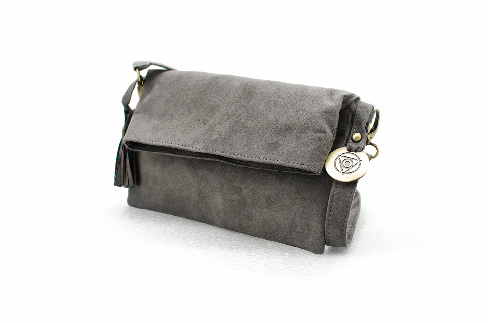 Maha Loka clutch in gray be great live great do great VIE magazine