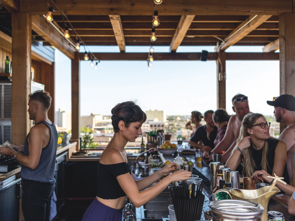 Alto is Ace Hotel's exclusive rooftop bar, serving up cool drinks and fresh bites from the five-star chefs at Josephine Estelle downstairs.