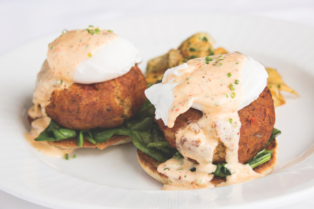Charleston, South Carolina; High Cotton; crab cakes benedict