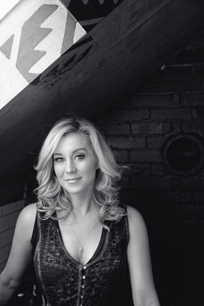 Kellie Pickler shares feel good stories with the world CMT VIE Magazine Storyteller issue