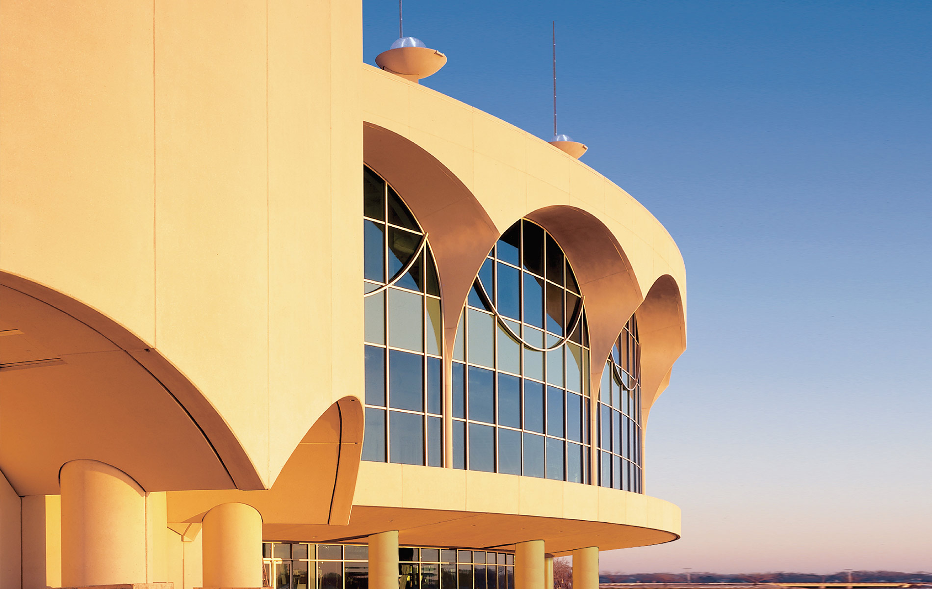 Monona Terrace in Madison Wisconsin designed by Frank Lloyd Wright architecture 1990s Home and Decor VIE 2017