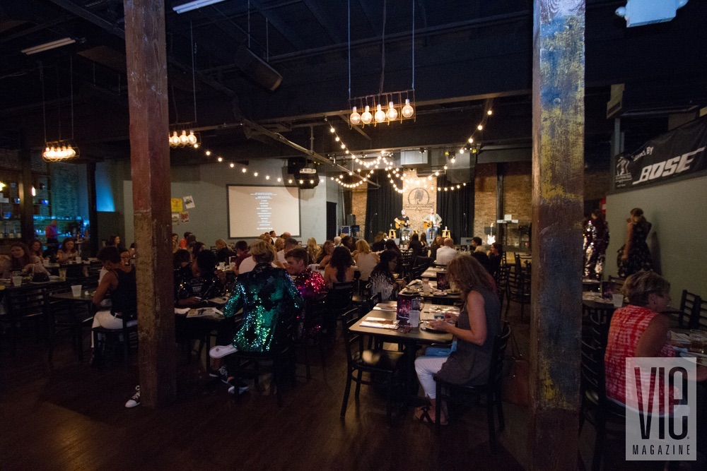 Guests enjoy musical performances by Nashville singer/songwriters Stephen Ellrod and Will Bundy