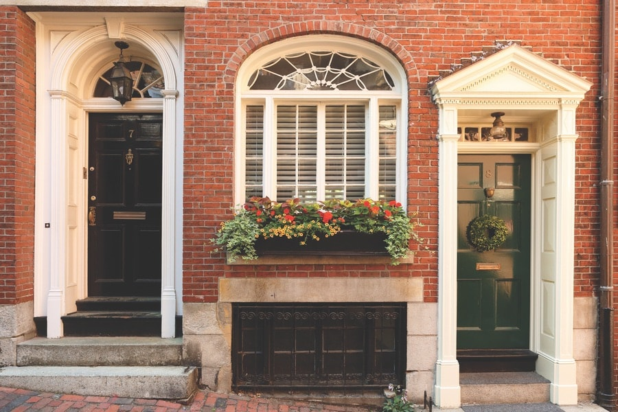 A home on the famous Acorn Street in Beacon Hill, Boston. VIE Magazine, The Sophisticate Issue