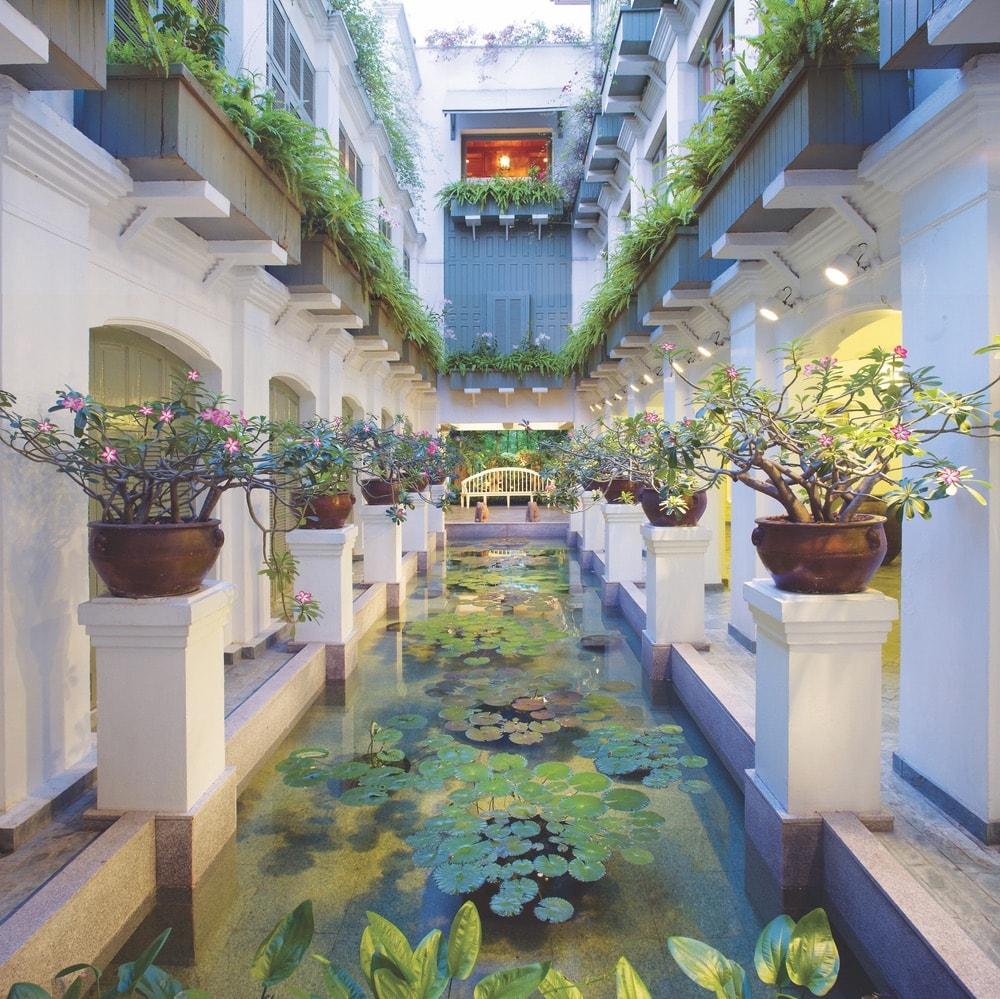 Bangkok Top Spas; Thailand; Oriental Spa; garden; pond