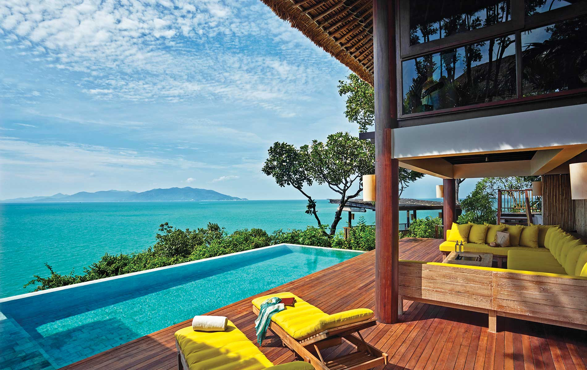 Sustainable Lifestyle in Thailand; Koh Samui; Six Senses Samui; pool deck