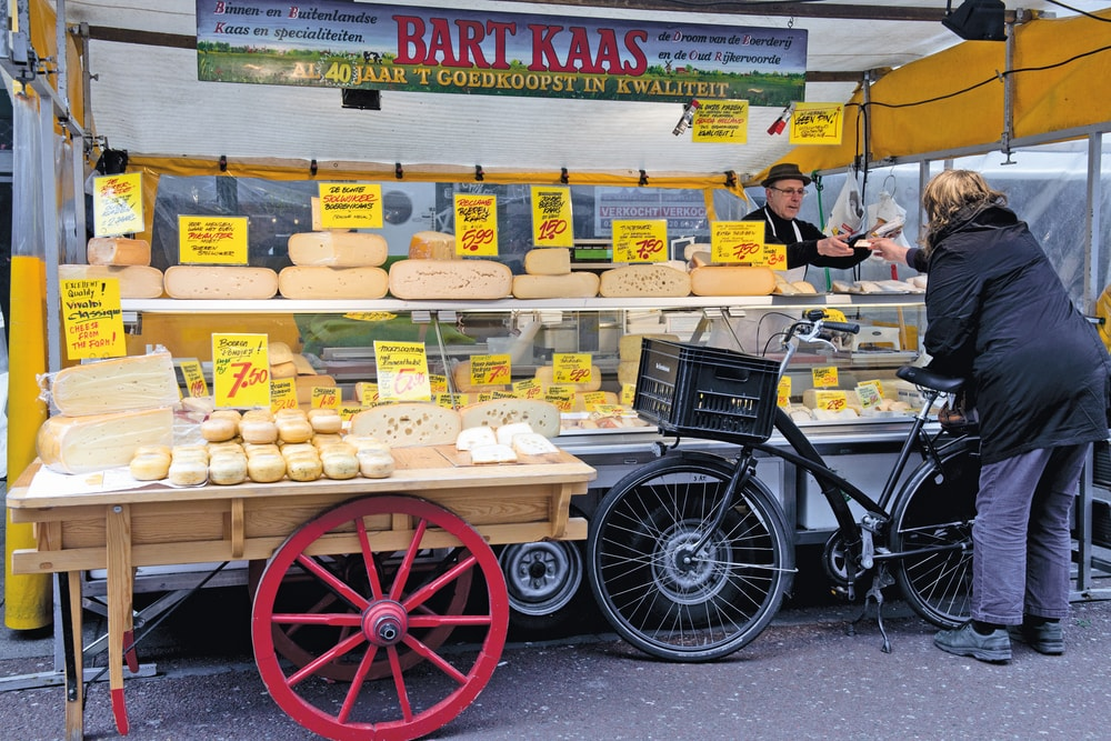 A delicious selection of Dutch cheese in the Albert Cuypmarkt Amsterdam Food VIE Magazine Destination Travel 2018