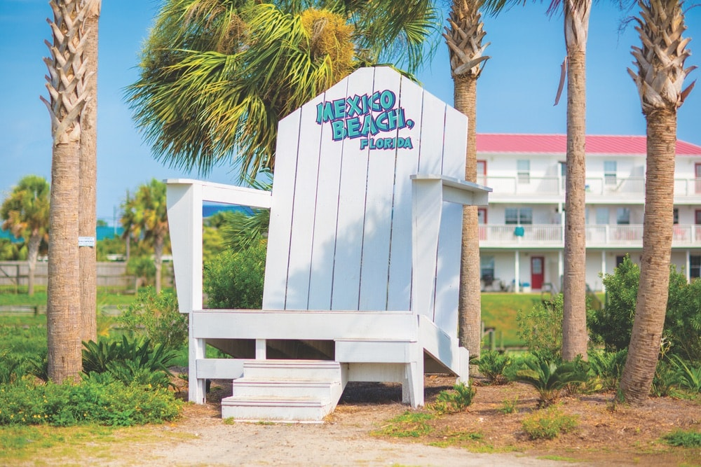 Cola 2 Cola; Travel Guide; Northwest Florida's Gulf Coast; Emerald Coast; Mexico Beach; Welcome Center; big chair