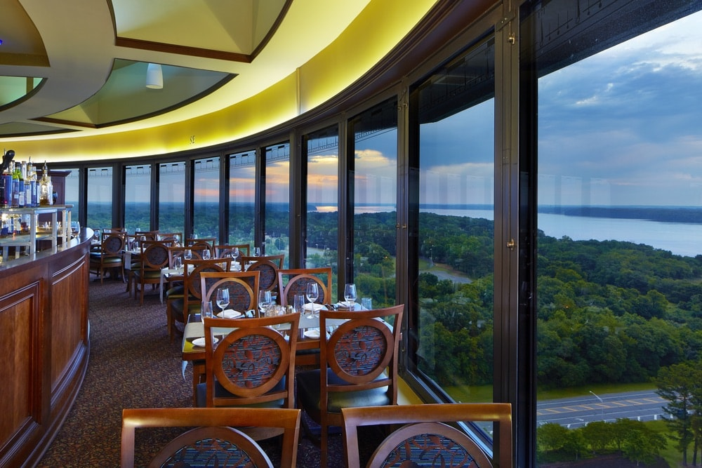 Florence, Alabama; Marriott Shoals Hotel; 360 Grille; Renaissance Tower; Tennessee River
